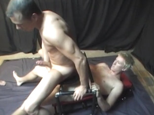 Bareback Gay Threesome With Hardcore Triple Anal Penetration