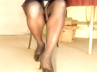 Nasty tranny slut shows her legs