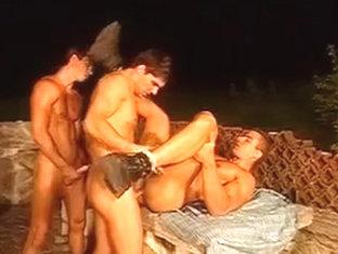 Fernando Nielboy in MMM threesome