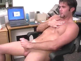 Big Cock Webcam Wanker Damian Has A Massive Cum Load To Spurt