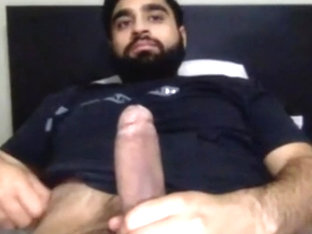 hairy australian with big cock masturbating on cam
