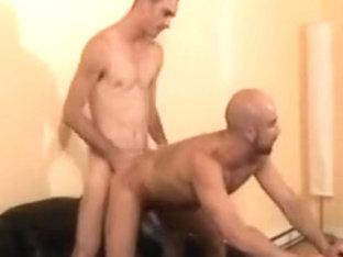 Bold gay dude fucked bareback