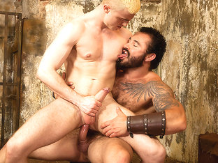 Jessy Ares & JP Dubois in Gay Of Thrones Part 7 - DrillMyHole
