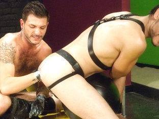 Tristan Mathews & Felix Martinez in Fisting Playground 2, Scene #02