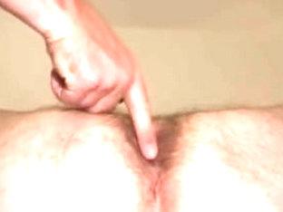 Amateur gay dude gets his asshole creampied