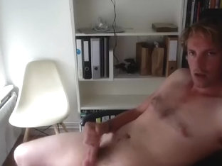 Seductive BF is beating off in the apartment and memorializing himself on camera