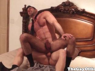 Muscled hunk fucks masturbating bear