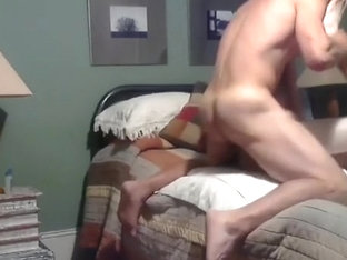 Pretty male is jerking off in the guest room and shooting himself on webcam
