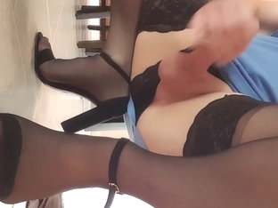Changing from pantyhose to stockings