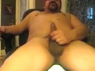 Sexy bear masturbation