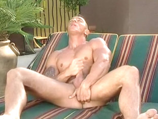 Hot Beefy Hunk Outdoor Wanking