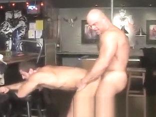Machos No Bar