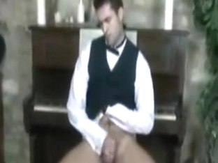jerking off piano player