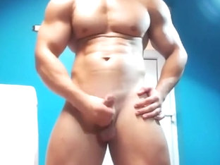 Hot Guy on Cam! Flex & Show-Off