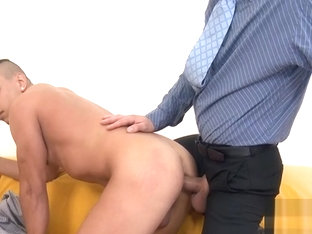 Blowjob for charming gay stud scene 2