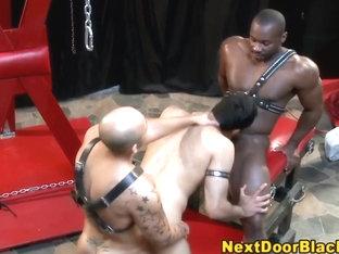 Interracial gay fucking threesome