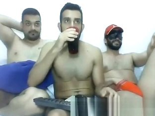 3 Straight Guys Hot grande webcam em show de jerkit.net