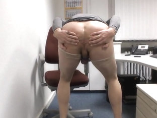 Lisa le cock working hard in office till cum