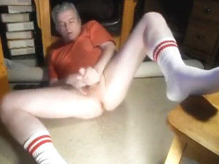 spread leg jacking in tube socks