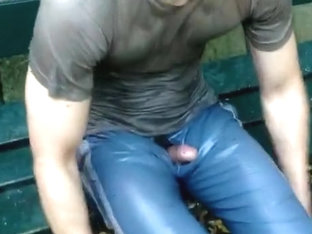 Piss afternoon in park2: DIRTY, SMELLY, WET