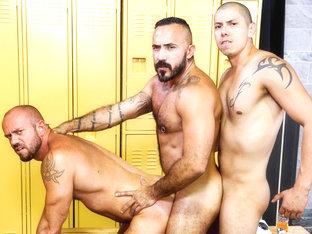 Alessio Romero & Matt Stevens & Benjamin Bronx in Gym Buddies Video
