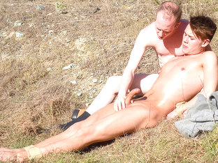 Stroking Out Loads In The Sun - Justin Blaber & Sean Taylor - TXXXMStudios