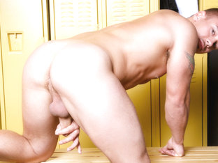 Adam Bryant in Singlet Constriction  Video