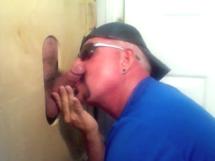 Luke Cums Big At The Gloryhole - GloryholeHookups