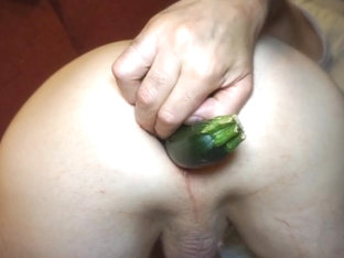 5 minutes anal veggie fuck with gaping asshole