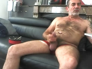 a nice hairy and tattooed daddy!