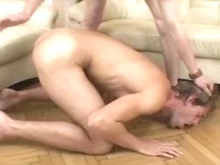 Hunk fucks twink's asshole in gay bareback porn