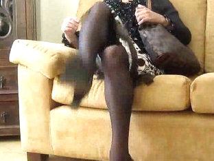 Amateur crossdresser shows his sexual skills