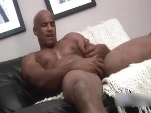 Muscle Bodybuilder Strokes his cock