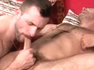 Hairy Beefy mandies: Pull Those Tits Man