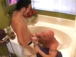 Hot Bathroom Fuck with older-loli er men