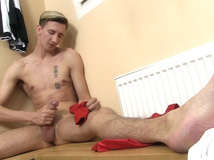 Twink Jasper James Foot Fetish Jerk Off - TwinkyFeet