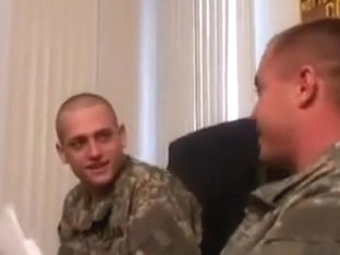 Tres Chicos Militares