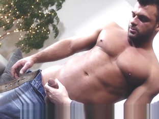 Horny hunk uses a fleshlight to please himself until he cums