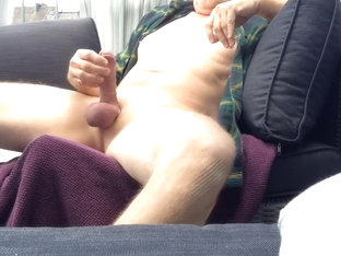 outdoor wanking and cumming