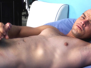 Hung Latino Oscar Jacking Off  - IoMacho