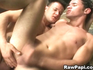 Horny Gay Rawpapi and Hard Barebacking Sex