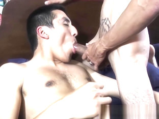 Straight Asian dude exchanging blowjobs with gay friend