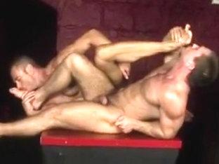 More hot men prefer it bareback