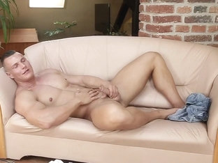 Horny bareback hunks