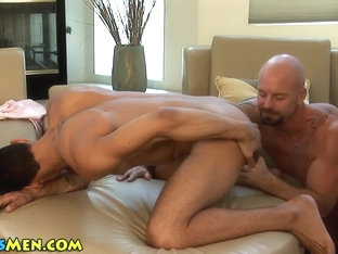 Hung hunk gets rimmed and fucked