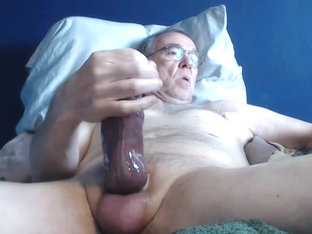 big cock grandpa long stroke on cam (no cum)