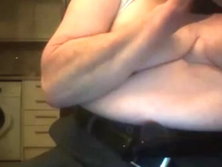 grandpa show his body on cam