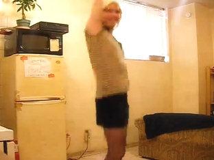 Amateur crossdresser stripping on cam