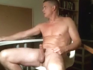 beefy guy wanking