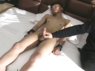 Amateur euro twink cocksucking while jerking